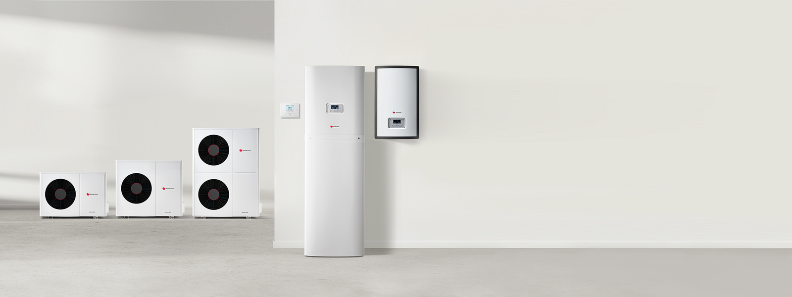 //www.saunierduval.hu/media-master/global-media/sdbg/communication-portfolio/heat-pump-b2c-content/awhp-split-range-product-beauty-2232x837-2-1169792-format-24-9@1600@desktop.jpg